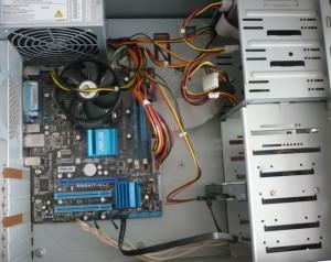 Полностью подключенные устройства в системном блоке